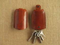 Leather key holder with pull strap, keychain, key pouch, handmade key case