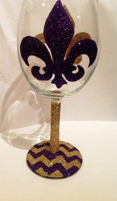 Glitter wine glass Fleur de lis by GlittersGalore on Etsy, $12.00