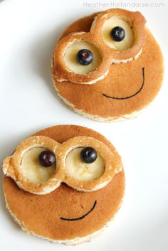 FunBites Minion Bananenpfannkuchen - - Food and drinks - Kids Snacks Cute Food, Good Food, Yummy Food, How To Make Breakfast, Breakfast For Kids, Birthday Breakfast, Fun Breakfast Ideas, Easy Healthy Recipes, Baby Food Recipes