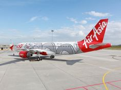 Airplane Art: Eye-Catching Liveries That Go Beyond the Logo : Condé Nast Traveler