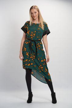 Vellamo Dress - Green :: Vuurran.fi Seventh Wave, Black Fabric, Fabric Patterns, Green Dress, Woven Fabric, Short Sleeve Dresses, Feminine, Elegant, Beautiful