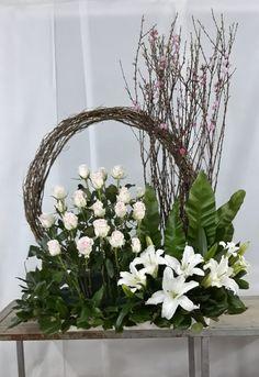 Affordable Wedding Venues In Ma Arrangements Funéraires, Hotel Flower Arrangements, Contemporary Flower Arrangements, Beautiful Flower Arrangements, Beautiful Flowers, Exotic Flowers, Tropical Flowers, Summer Flowers, Fresh Flowers