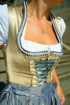 Oktoberfest Outfit, Dirndl Dress, Evolution Of Fashion, Old Dresses, Next Fashion, Retro Outfits, Playsuits, Country Girls, Couture
