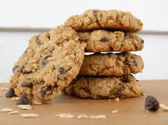 Want really delicious oatmeal cookies that just scream Oats?  Forego the regular flour and use oat flour!  Double Oatmeal Chocolate Chip Cookies - d.e.l.i.c.i.o.u.s.