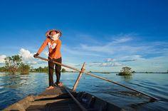 Uma jornada de barco de Siem Reap a Battambang, ao longo do lago Tonlé Sap, um ecossistema ímpar no mundo. E uma viagem no tempo até um santuário inspirador.