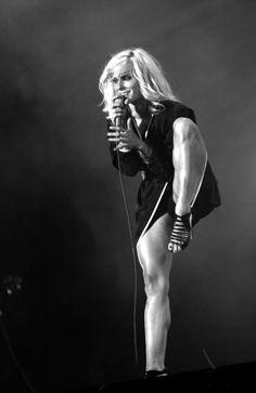 maja ivarsson of The Sounds - damn those legs!!