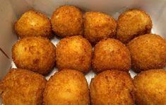 Arancini Recipe, Diy Food, I Love Food, Finger Foods, Cornbread, Baked Potato, Food To Make, Prosciutto Cotto, Food Porn
