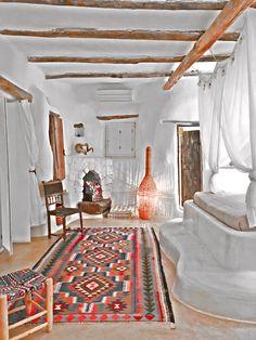 Carpet Sale, Rugs On Carpet, Carpets Online, Mykonos Greece, Beautiful Villas, Design Your Home, Persian Rug, Decoration, Oriental Rug