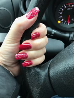 This post contains the best Shimmering Christmas Nails. These nails are creative and fascinating. Aycrlic Nails, Hot Nails, Hair And Nails, Coffin Nails, Cute Christmas Nails, Holiday Nails, Red Sparkle Nails, Nail Bling, Dip Nail Colors
