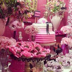 Marsala e pink para o stand na Expo Noivas