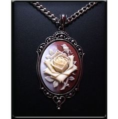 3-Tone ROSE CAMEO NECKLACE