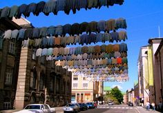 Finnish artist Kaarina Kaikkonen creates site-specific installations by recycling secondhand clothing. The artist suspends the garments like a line of laundry hanging out to dry. Who would have thought that clotheslines would make such intriguing and eye-catching art?