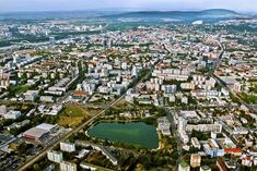 Nádherná fotka Bratislavy aj keď nie stará. Ani neviem, na akej adrese som ju získal. Škoda, že nie je ostrejšia alternatíva - rád by som ju mal ako obraz v byte ...