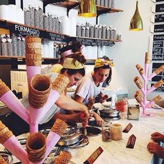 Pidapipo is a tiny little shop just outside of Melbourne that serves amazing artisanal gelato. Check it out on SpotKit and save it to your list! #explore #australia #hiddengem #belocal #spotkit by spotkitapp THEY HAVE NUTELLA ON TAP
