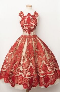 Luxious Square Knee-Length A-line Homecoming Dress with Red Lace