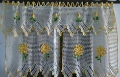 Do-It-Yourself Simple Handmade Curtains - Life ideas Thread Crochet, Filet Crochet, Irish Crochet, Knit Crochet, Crochet Curtains, Crochet Doilies, Crochet Flowers, Crochet Kitchen, Crochet Home