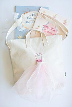 DIY Ballerina Bag for Kids. Such a sweet handmade present for any little ballerina!