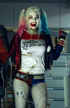 Make Your own DIY Margot Robbie Harley Quinn Costume from Suicide Squad Arlequina Margot Robbie, Margot Robbie Harley Quinn, Joker Und Harley Quinn, Harley Quinn Cosplay, Miss Marvel, Marvel Dc, Harey Quinn, Dc Comics, Celebs