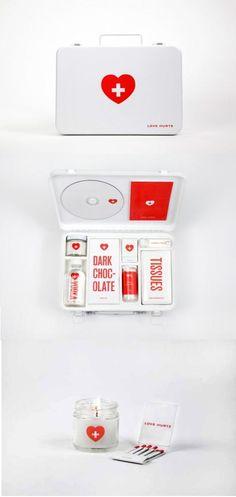 Break-up first aid kit for a best friend!// @Arantxa Gabriela Castillo hahaha perfecto para la proxima aunque en ves del vodka jugo o chocolate caliente o starbucks! eso & boletos para NC;)