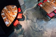 ArtSphere in Bespoke Motion Blend - a unique poured resin floor by in bespoke pigments that create a dramatic finish! Unique Flooring, Flooring Options, Wall Finishes, Plaster Walls, Polished Concrete, Restaurant Bar, Master Bathroom, Resin, It Is Finished