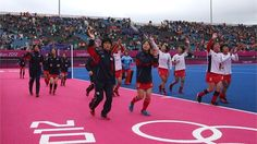 Japan applaud the crowd after Netherlands win in women's Hockey#