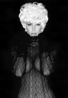 Jamie Lee Curtis - American actress and author. Photo by Greg Gorman. Jamie Lee Curtis Young, Jamie Lee Curtis Movies, Tony Curtis, Photo Star, Laura Palmer, Janet Leigh, Beautiful Actresses, American Actress, Movie Stars