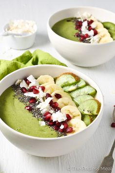 Green Goddess Smoothie Bowl | A healthy and delicious breakfast. | theendlessmeal.com