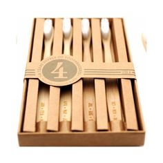 Set de 4 brosses à dents www.lereperedesbelettes.com