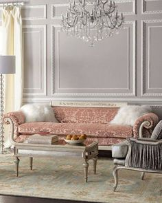 decoration tip 👌 Adding mirrored furniture to ur room take u to a whole new level of elegancey Living Room Decor Country, Design Living Room, French Country Living Room, French Living Rooms, French Decor, French Country Decorating, Classic Interior, Home Interior, Country Interior