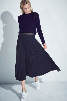 AEL embroided sweater, LOUISON maxi skirt