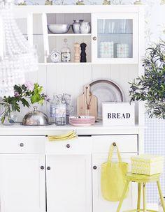 astiakaappi,säilytys,keittiö,unelmien talo ja koti,keltainen