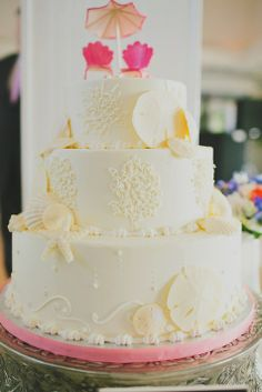 Sea themed wedding cake   Signe's Heaven Bound Bakery & Cafe    Photographer: Our Labor Of Love
