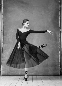 Eleonora Sevenard Photo by Alexander Yakovlev Ballet Images, Ballet Pictures, Dance Pictures, Ballet Art, Ballet Dancers, Ballerinas, Mode Outfits, Dance Outfits, Bailarina Vintage