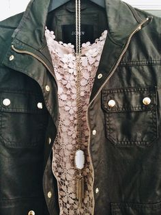 Southern State of Mind : the-jcrew-asian: OOTD! Crew jacket, Joie tank, and Kendra Scott necklace. Kendra Scott, Fall Winter Outfits, Autumn Winter Fashion, Fall Fashion, Army Green Jacket Outfit, Ootd, Casual Chic, Vogue, Mode Style