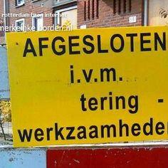 Opmerkelijke borden . nl - 1. Plakplezier en naamborden
