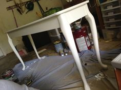 how to use deglosser and primer to paint laminate furniture. diy sofa table