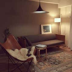 Mid Century Living Room, Home Living Room, Living Room Decor, Living Spaces, Interior Architecture, Interior Design, House Rooms, House Design, Momo Natural
