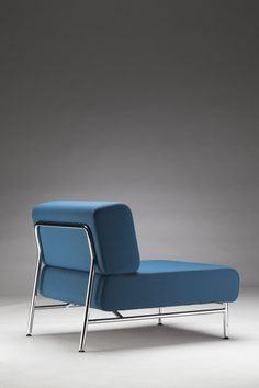 Thonet chair programme range S 650 designed by Sabine Hutter of the Thonet Design Team.