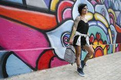 Anos 90 || Fotos: Lucas Menezes Modelo: Isabel Paiva Produção, Styling e Maquiagem: Desenroladas Locação: Muros grafitados durante o festival Concreto