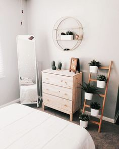 Bohemian minimalist with urban outfiters bedroom ideas 1 . Bohemian minimalist with urban outfiters bedroom ideas 1 Bohemian minimalist with urban outfiters bedroom ideas 1 Simple Bedroom Decor, Home Decor Bedroom, Diy Home Decor, Cozy Bedroom, Simple Bedrooms, White Bedroom, Scandinavian Bedroom, Urban Bedroom, Bedroom Storage