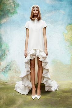 Viktor & Rolf Bridal looks to an enchanted garden for its fall-winter 2020 collection. Classic wedding dress styles take the spotlight with floral… Wedding Looks, Bridal Looks, Bridal Style, Classic Wedding Dress, Wedding Dress Styles, Dress Wedding, Quirky Wedding Dress, Viktor & Rolf, Victor And Rolf
