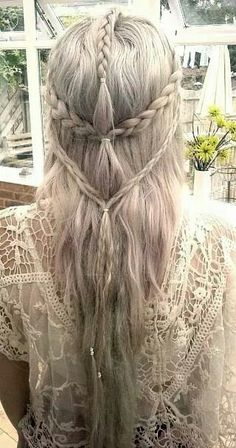 Ophelia would have pinned this because it is an elegant looking yet simple hairstyle and again is very up-to-date with the time period.