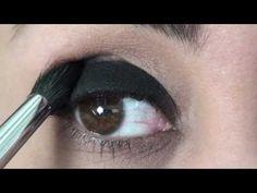 Olhos pretos esfumados