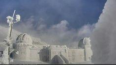 Campo imperatore, Gran Sasso, Osservatorio Astronomico #abruzzo  #neve del 25 Aprile 2016 Mount Rushmore, Clouds, Explore, Mountains, Nature, Travel, Outdoor, Frozen, Italy