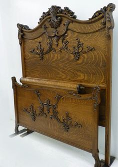 ✿◠‿◠)☼*¨*• ˚°❀ღ ˚°❀ღ•* ♥ ˚°❀ღ•* ♥ ᏝᎧᏉᏋ❤ ~Victorian Oak Bed