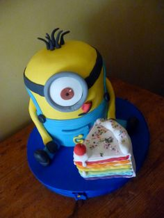 Birthday Cakes - Yellow Minion from Despicable Me. The piece of cake is fake, ahaha =)