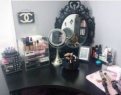 Totally my style! Future makeup room? -CASEY BLAIR❤️