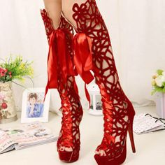 How does one walk in these? Amazing........ Where does one buy these?   Friend me here you'll see why ;) http://fb.com/Grace.CarusoRozankovic
