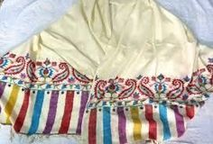 handmade pure pashmina khani shawls, scarfs for sale if anybody intrested call me or whats app me on this number +91 9086693168 or send me mail on this emale id : shahmuneer97@gmail.com