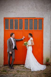 Allow your destination to provide pops of color - making your wedding photos unique! Photo courtesy of Michelle King Photography